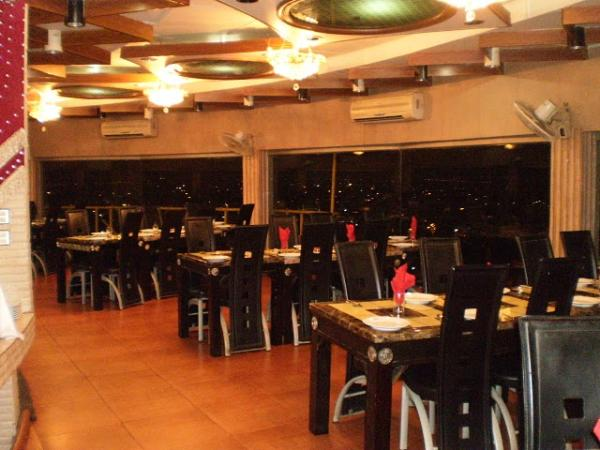 restaurants in karachi