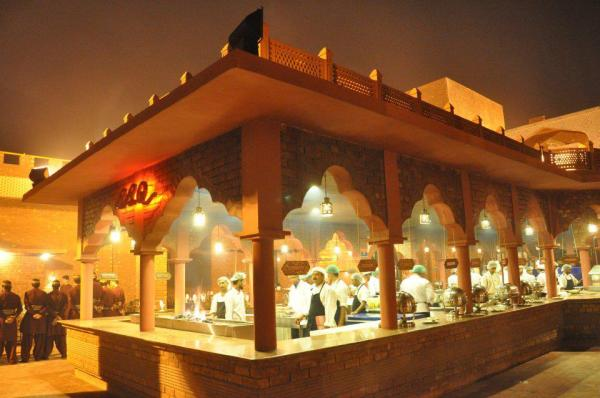 best dating spots in lahore