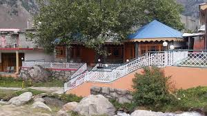 Maneela Huts